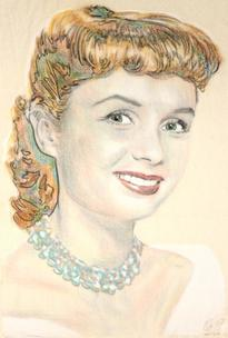 Debbie Reynolds with greeny necklace
